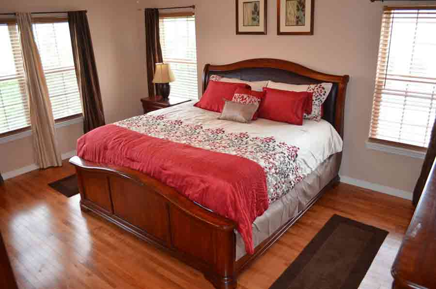 Master-Bedroom with king bed