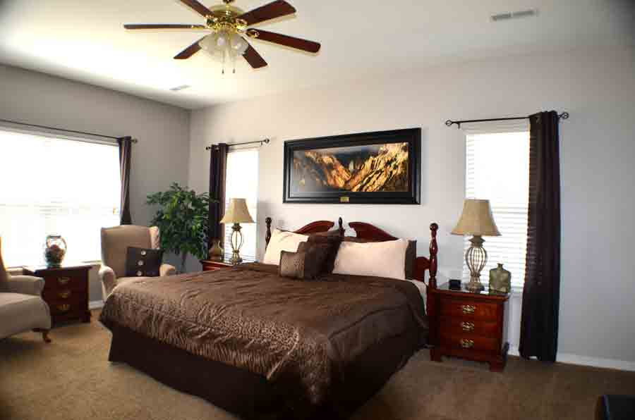 Master-bedroom-with-leopard-print-comforter