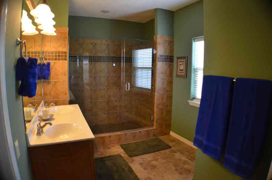 2-person-shower-with-2-person-wash-basins