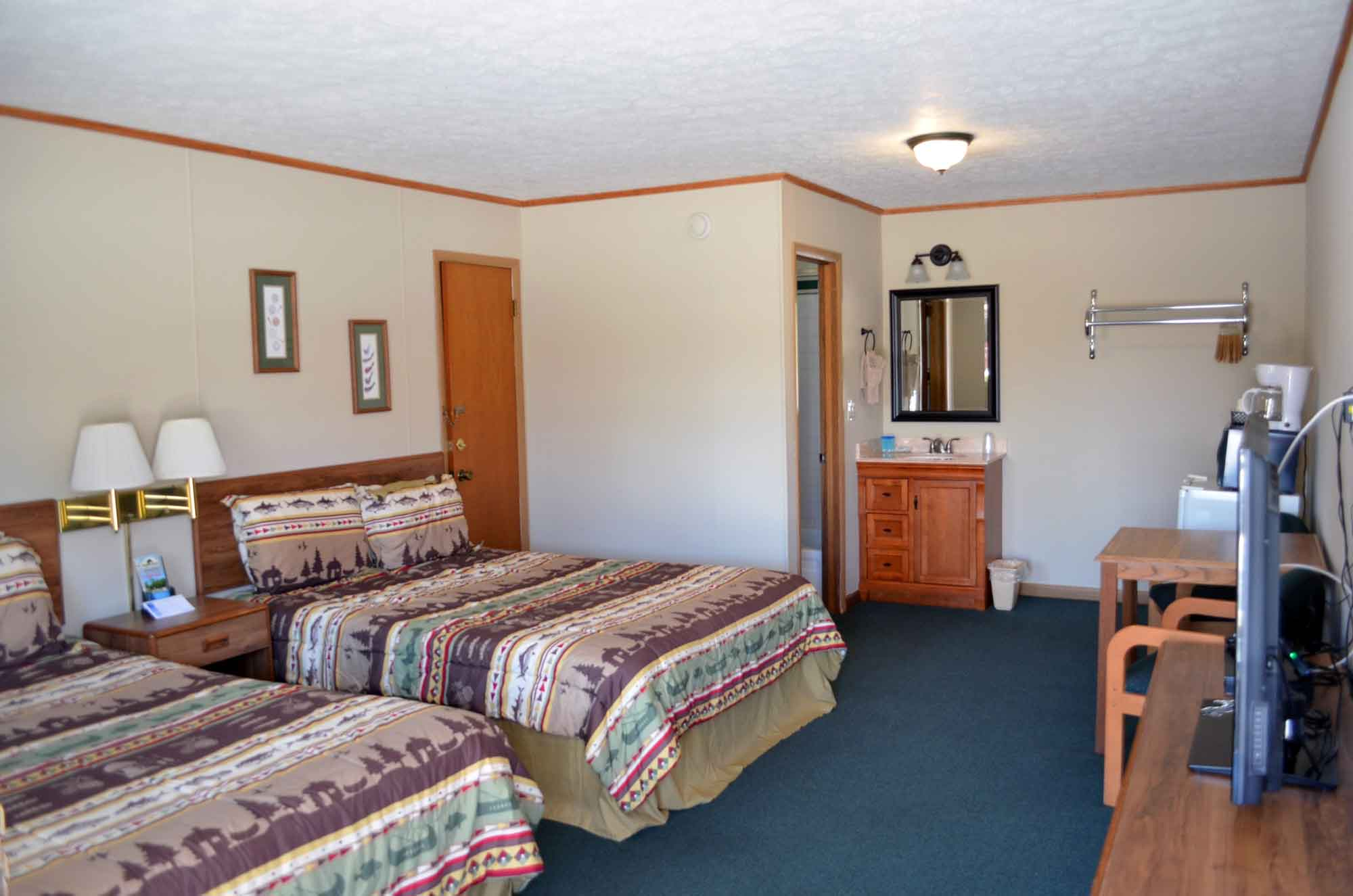 A ton of space for economy lodging while you are in Branson. Each room comes either with 2 queen beds or 1 king.