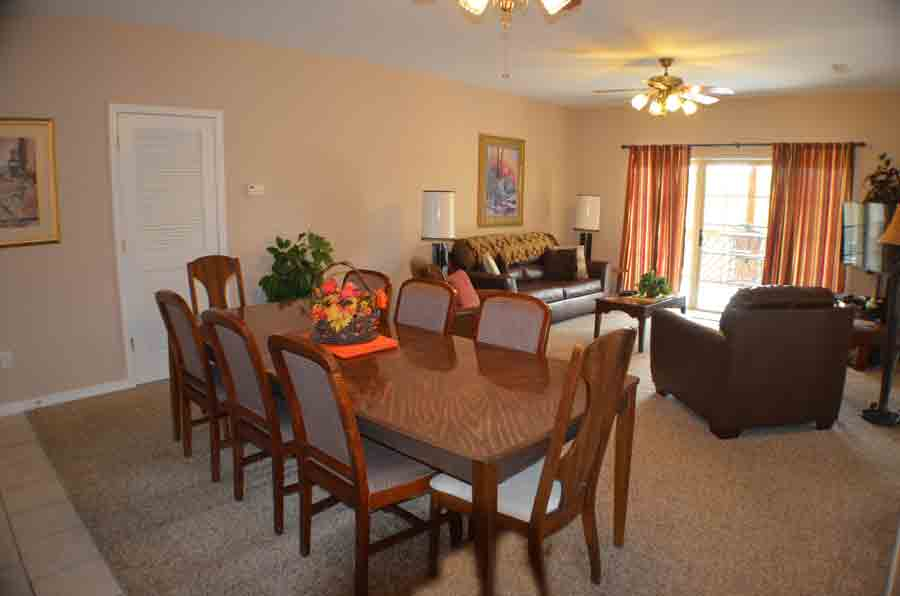 Condo-for-rent-with-a-large-dining-table