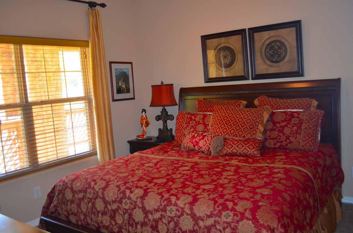 King-bed-2nd-bedroom-Rockwood-number-49