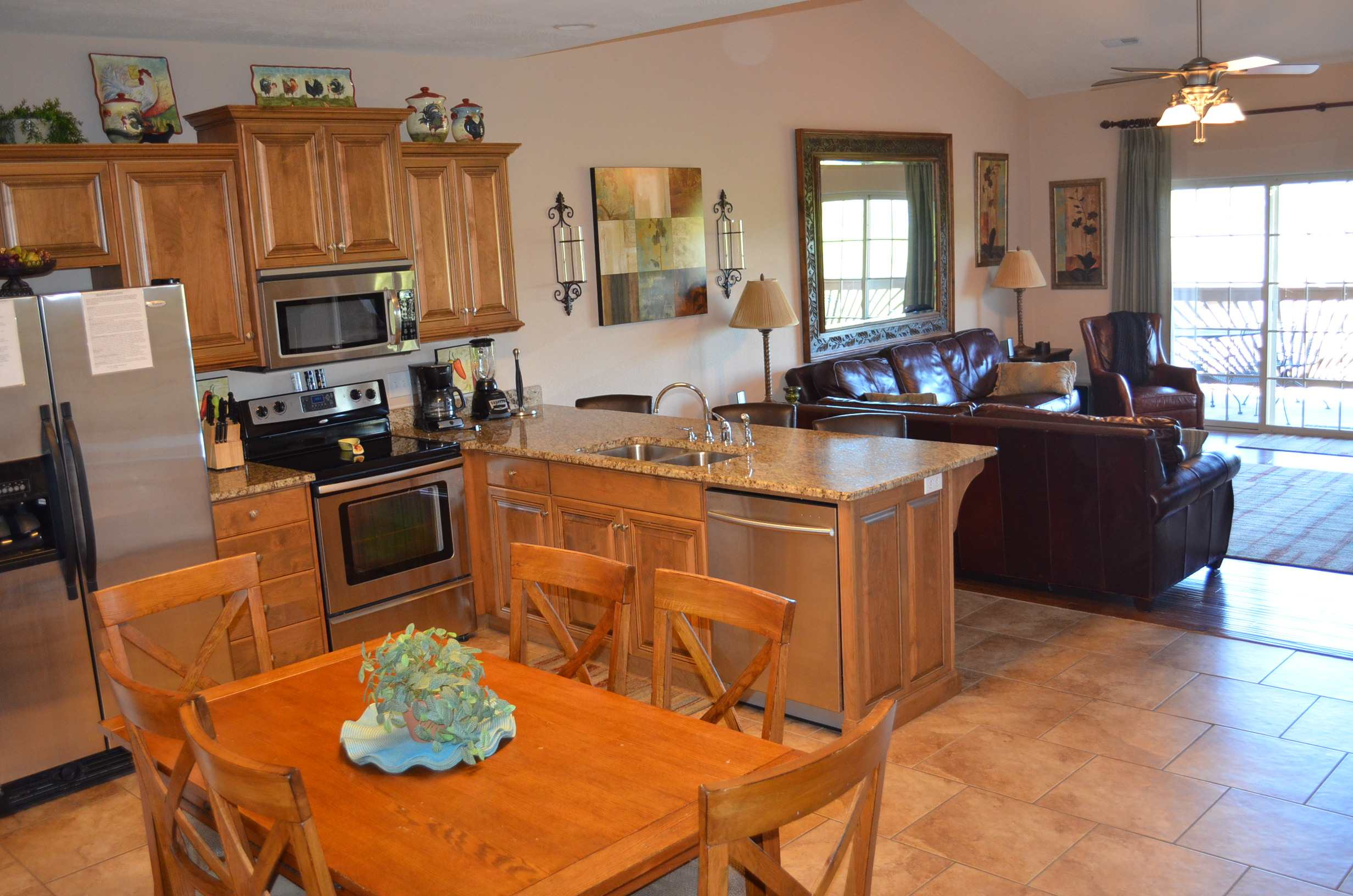 Large-and-spacious-kitchen-ideal-for-families-who-all-want-to-be-together-for-meals